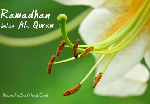 Mana Yang Lebih Utama Diamalkan di Bulan Ramadhan, Membaca Atau Menghafal Al Qur'an?