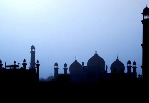 Bersin ketika Shalat, Apakah Disunnahkan Mengucap Alhamdulillah?